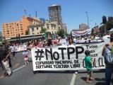 PARTICIPAMOS EN MARCHA DEL 29N CON UNA GRAN PANCARTA #NOTTP